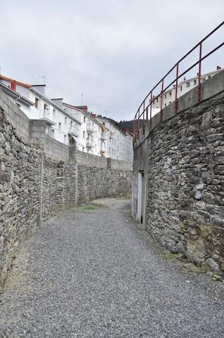 Pasillo descubierto de la plaza de toros de Eibar.